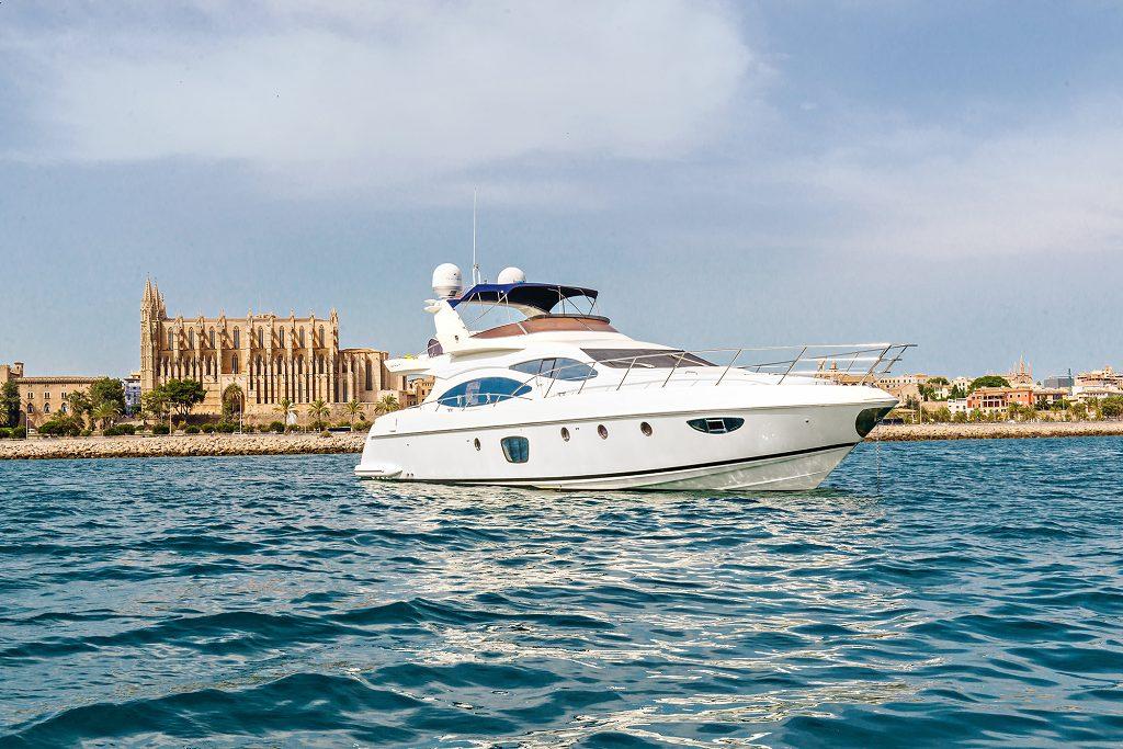 azimut 68 godfather yachts for charter palma de mallorca