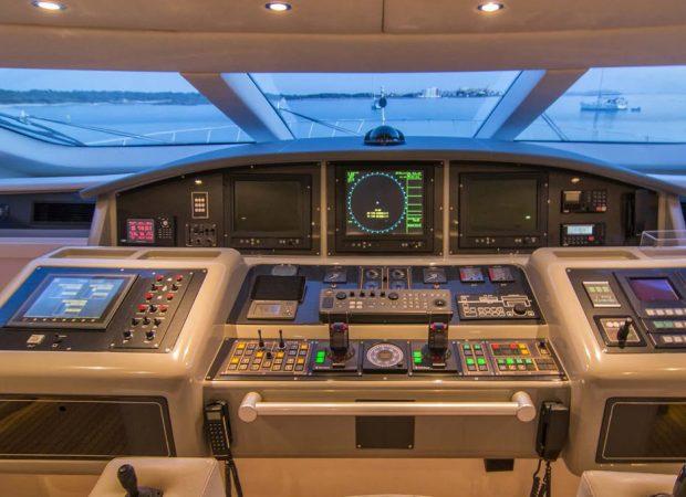 cockpit mangusta 108