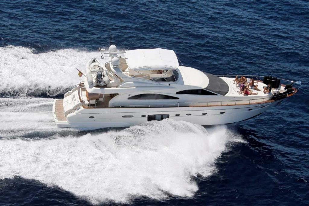 yacht charter ibiza astondoa 72
