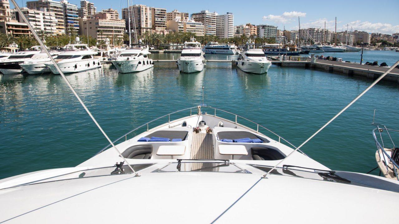 motor yachts hire mallorca ibiza astondoa 90 lady alhena