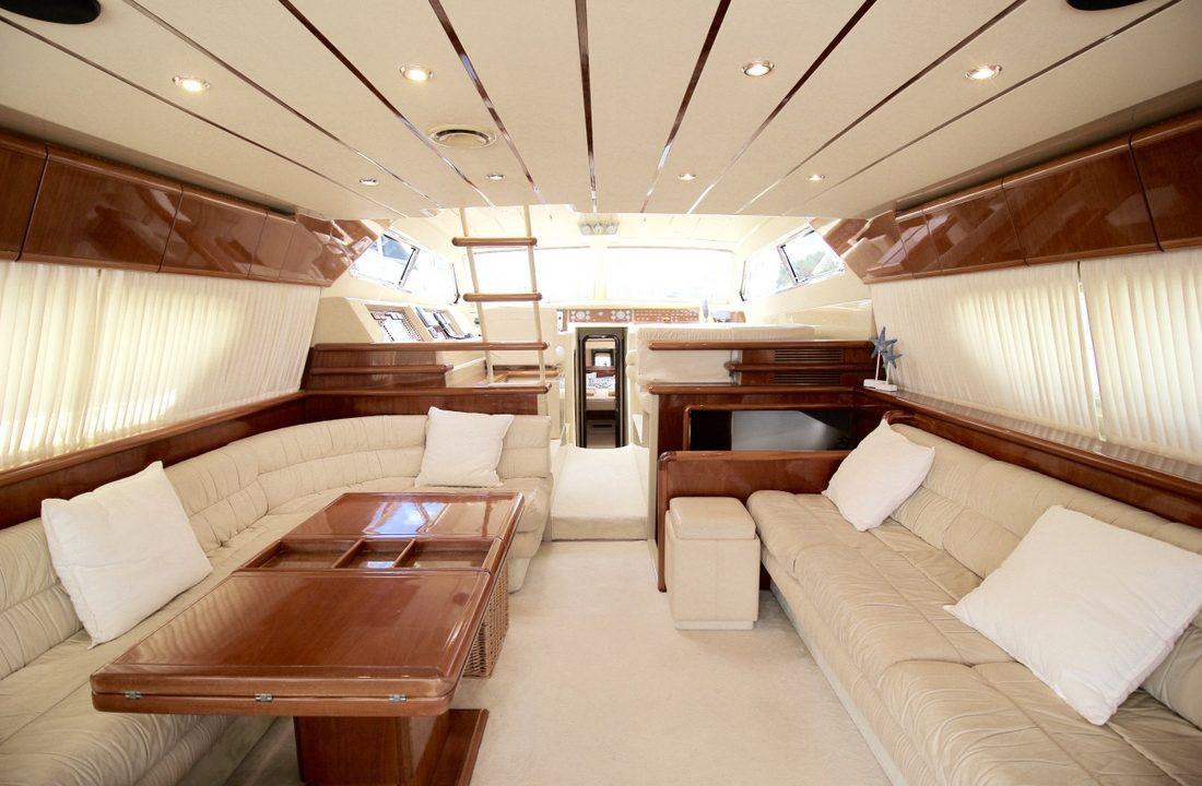 boat and yacht rental mallorca ferretti 175 alida