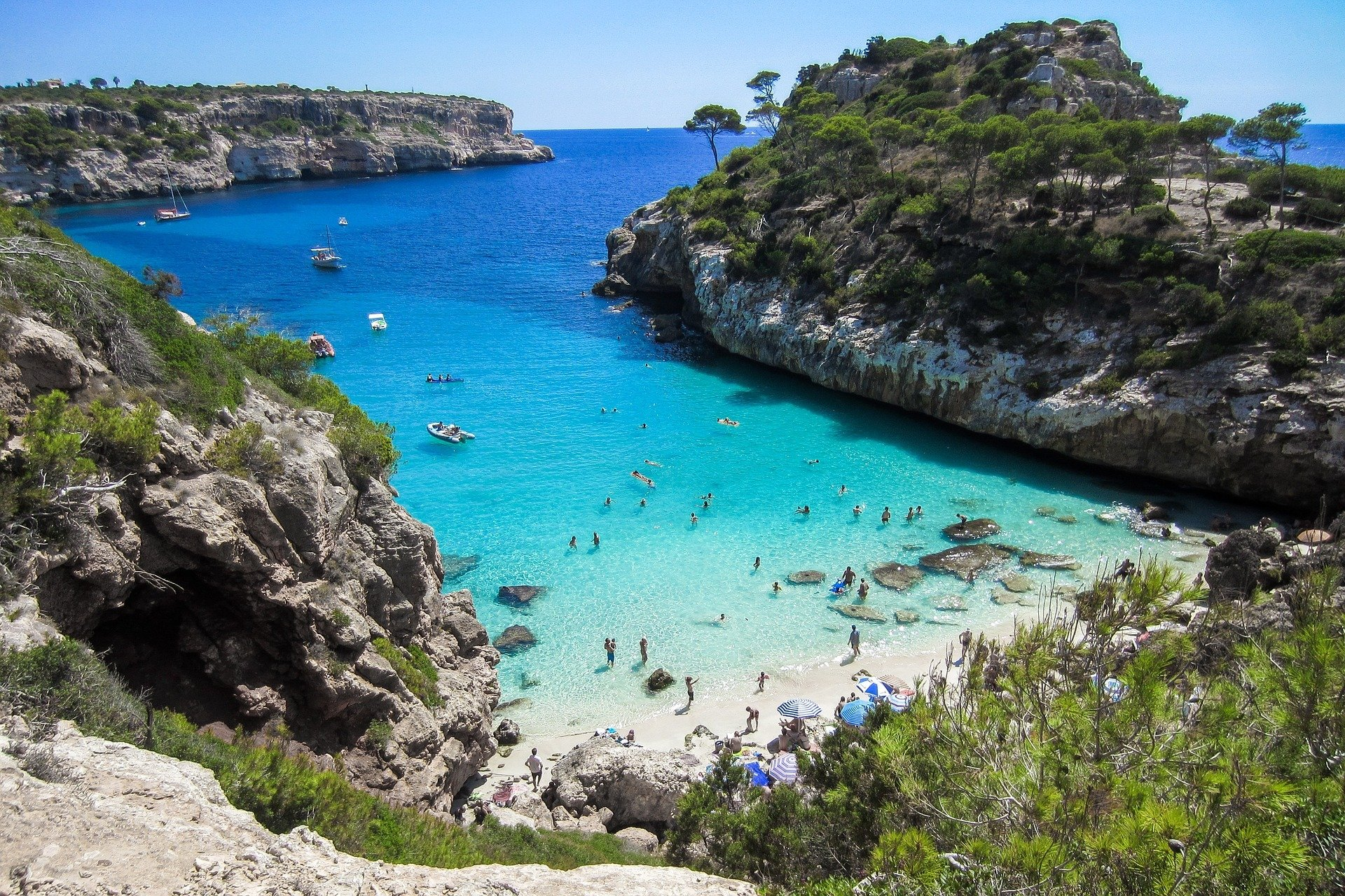 mallorca beaches coves diving charter boats