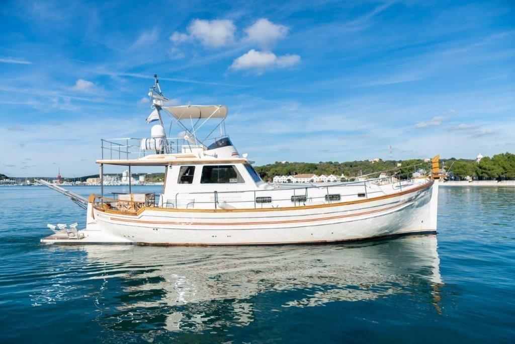 mahon boat llaut rental menorquin 160