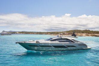 pershing 9x private boat hire ibiza