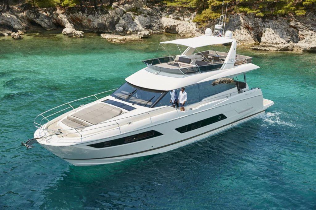 motor yacht charter mallorca prestige 680