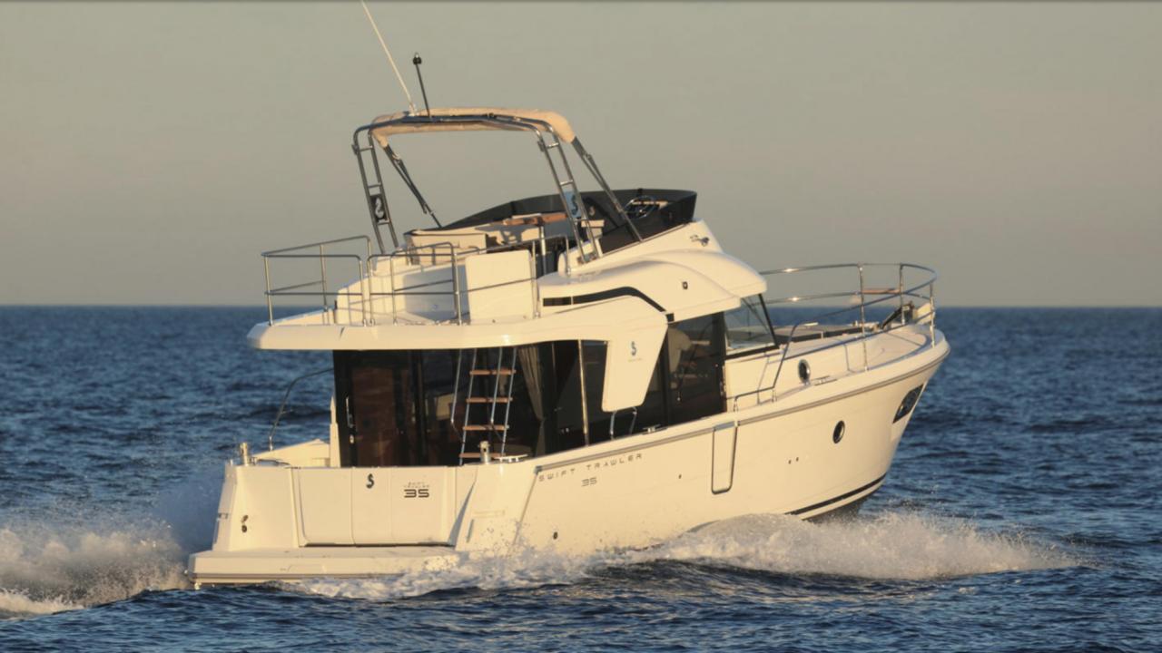 menorca alquiler barcos motor beneteau trawler 35 carmen