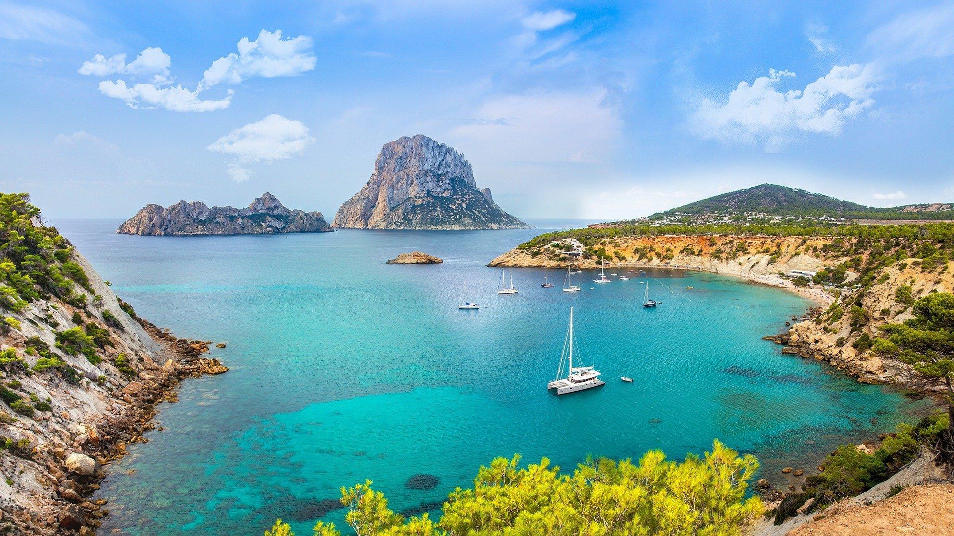 yacht charter ibiza holidays sailing es vedra