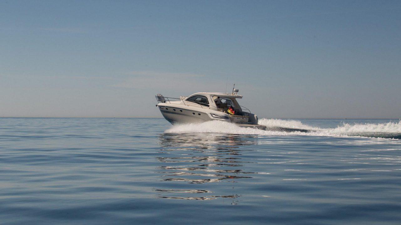 bavaria 43 ht mallorca boat hire