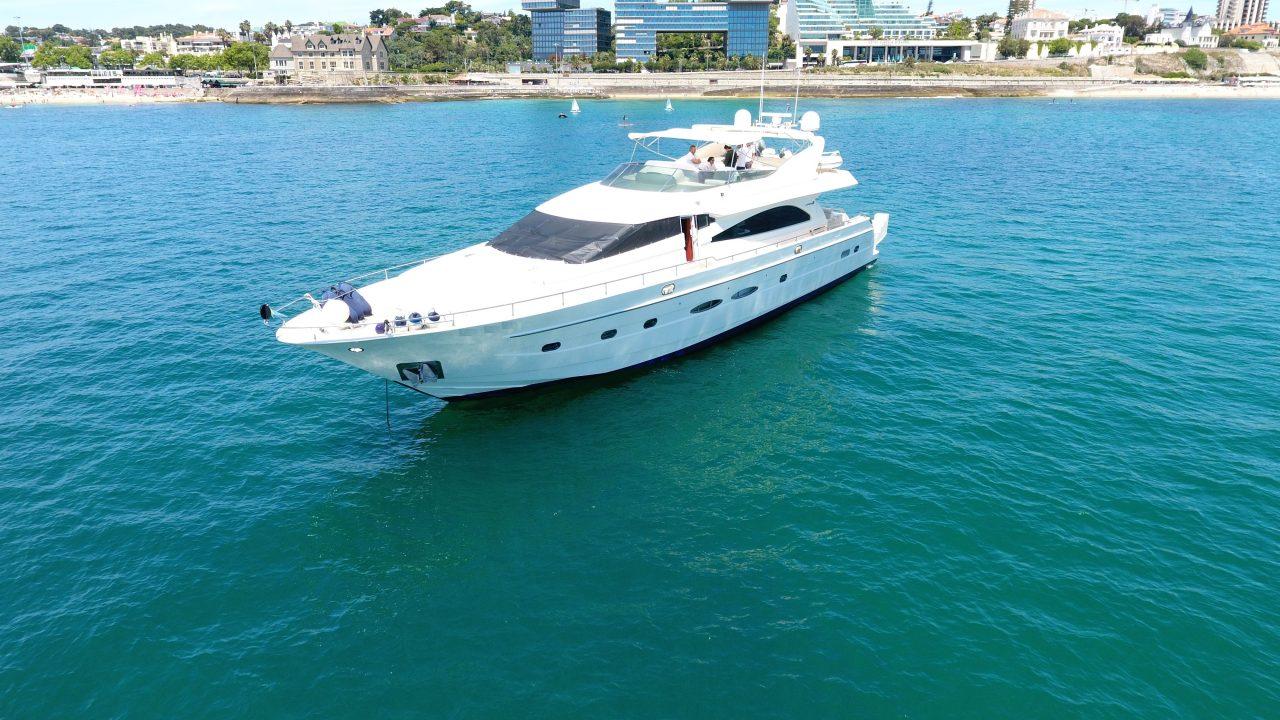 barcelona mallorca motor yacht charter astondoa 82 dandy