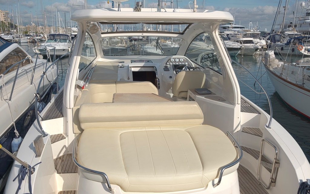 mallorca boat charter rental bavaria 35 sport