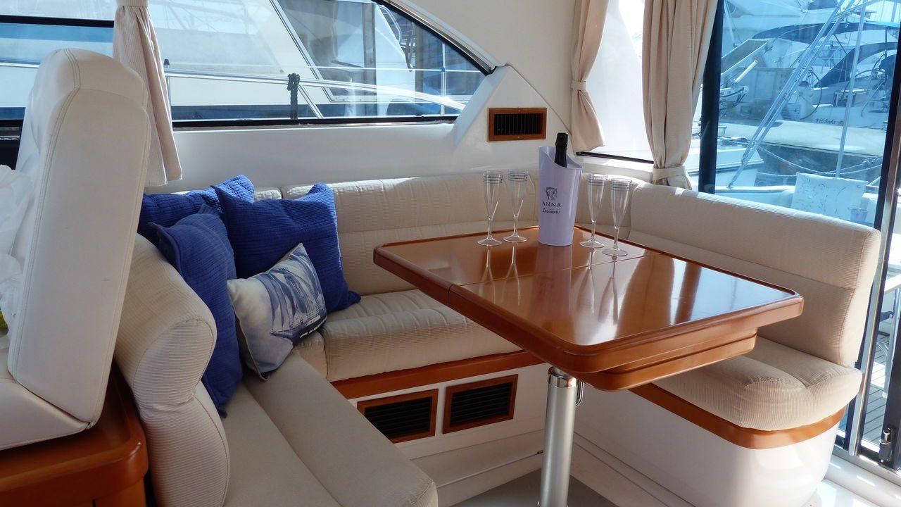 mallorca alcudia motor boats beneteau flyer 12