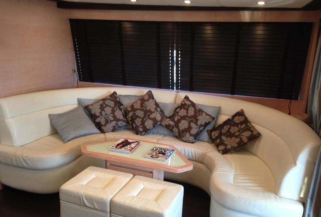 motor yacht charter barcelona sitges doqueve 70 artico 10
