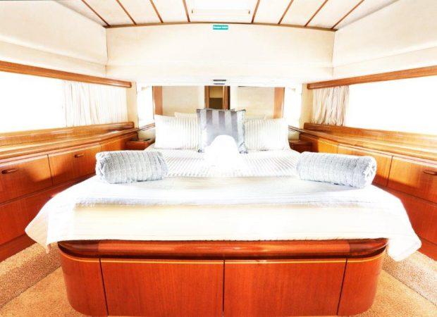 ferretti 70 lady S mallorca motor charter yachts