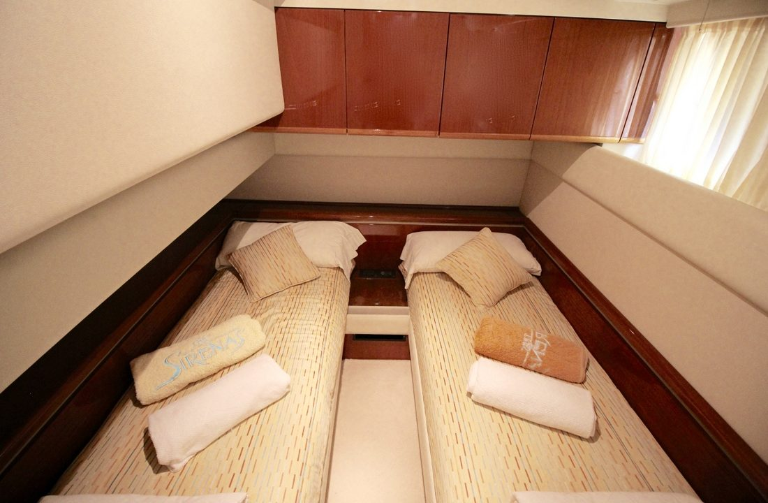 alquiler de yates y barcos en mallorca ferretti 175 alida