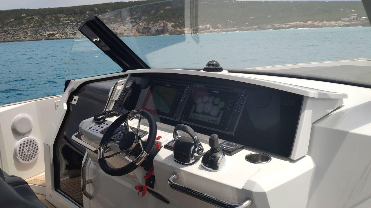 alquiler de barcos fjord 42 ibiza