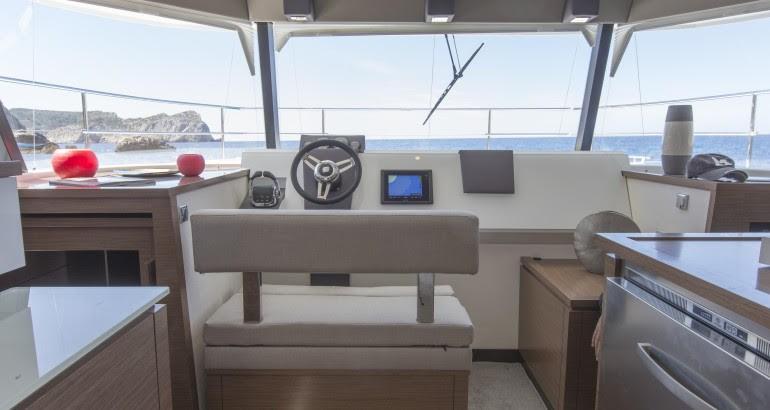 catamaran motor alquiler mallorca fountain pajot 37