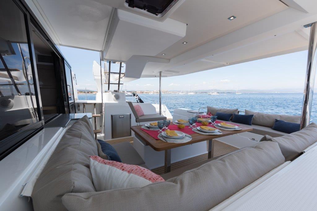 mallorca catamaran alquiler barco fountain pajot 47 saona