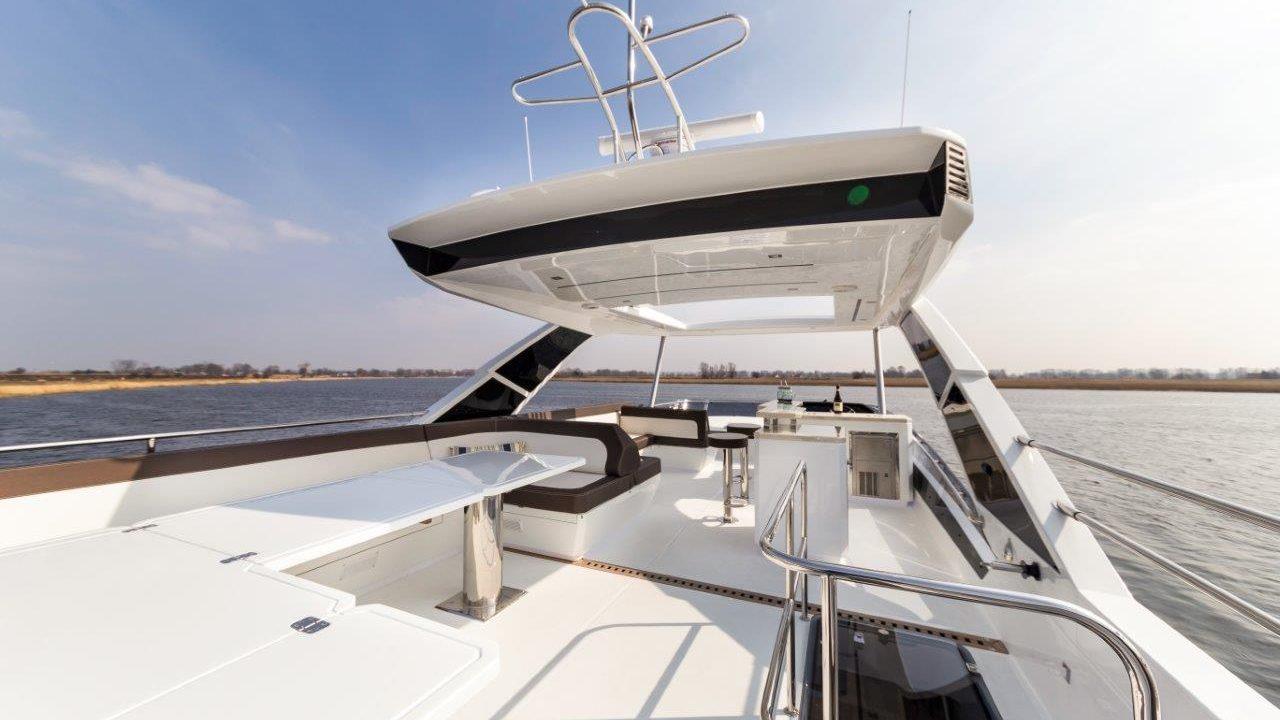 luxury yacht charter mallorca ibiza galeon 64 fly habana