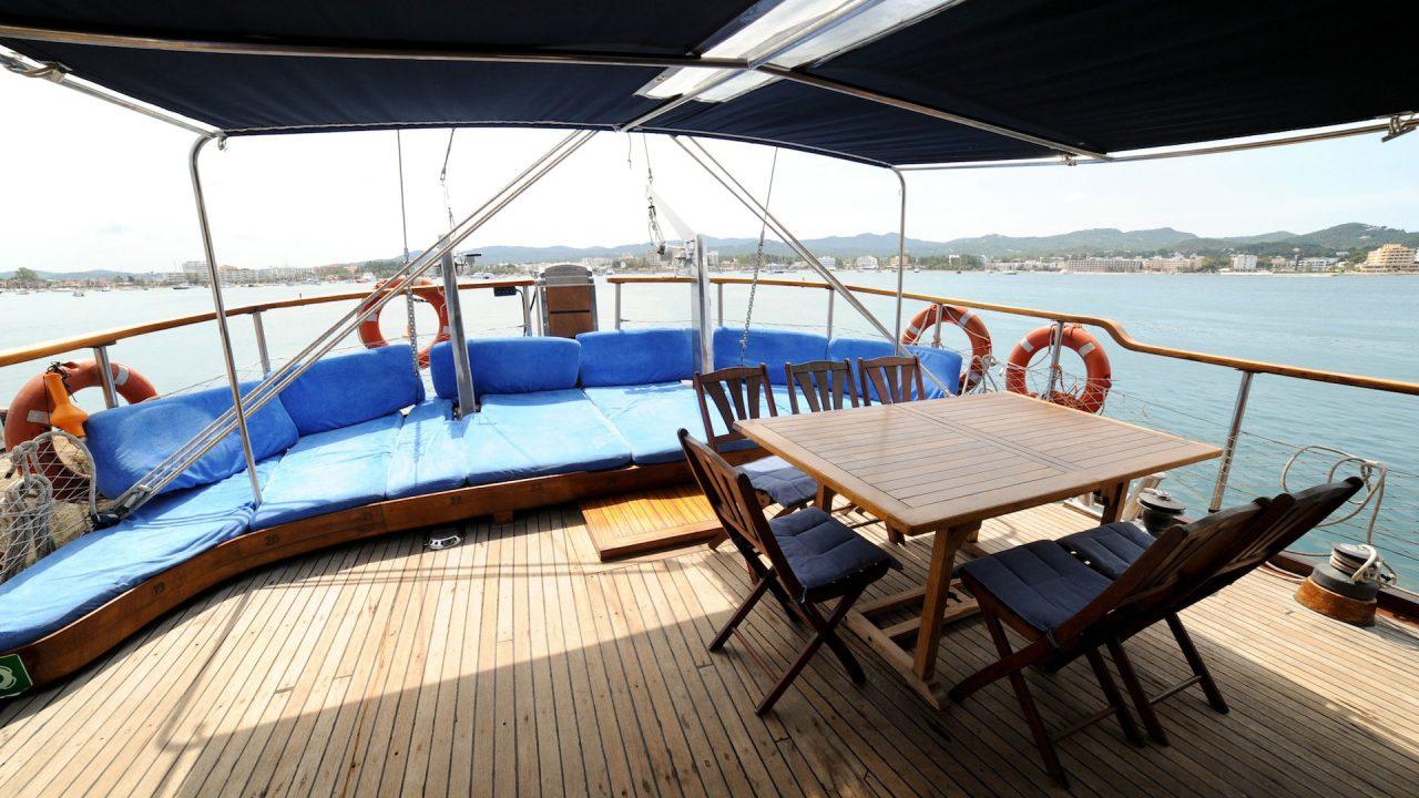 alania goleta 27m alquiler barcos barcelona ibiza mallorca