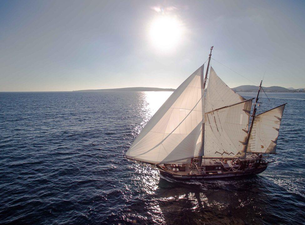 goleta rafael verdera alquiler veleros mallorca