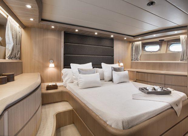 luxury yacht charter ibiza maiora 28m seven c