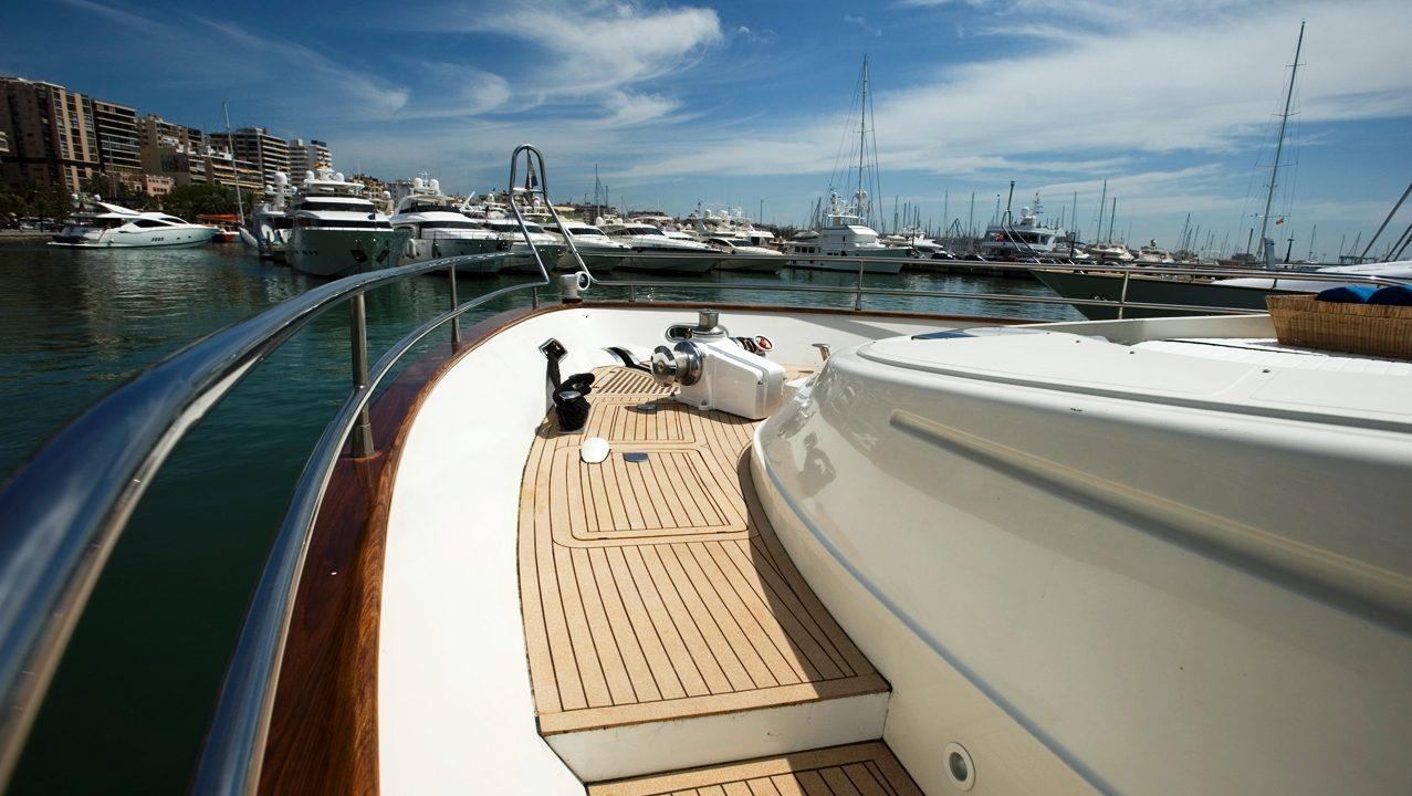 mallorca luxury yacht charter mochi 85 white fang