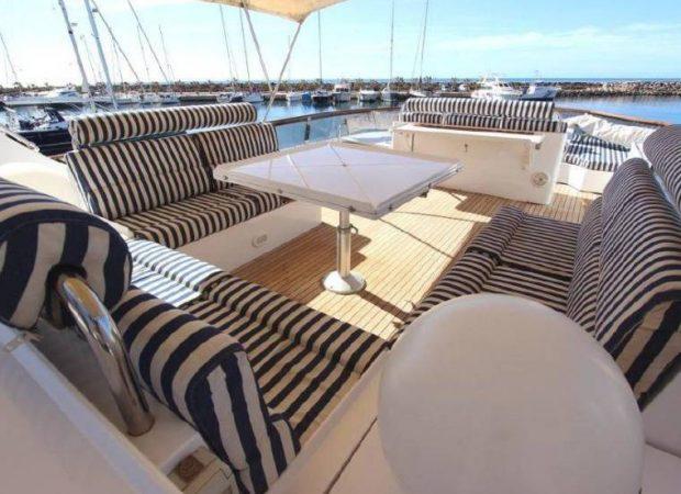 yacht charter monty nautic 77