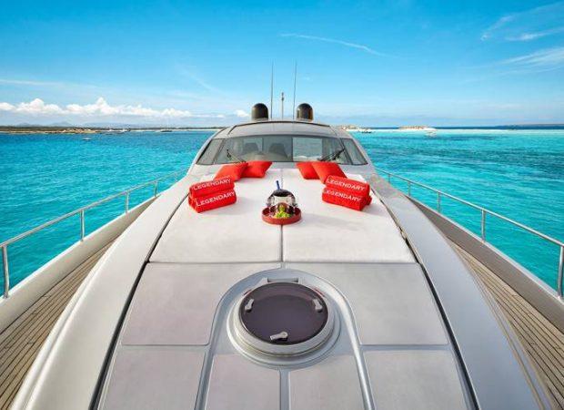 motor yacht hire ibiza pershing 72 legendary