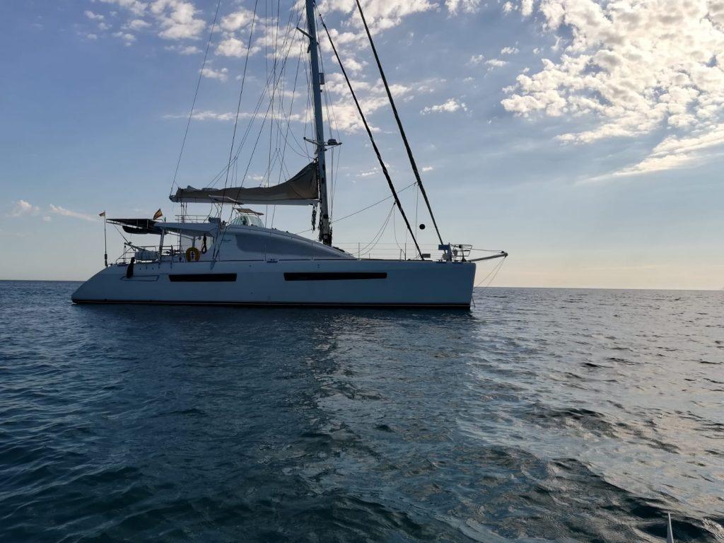 privilege 615 audaz alquiler catamaran mallorca