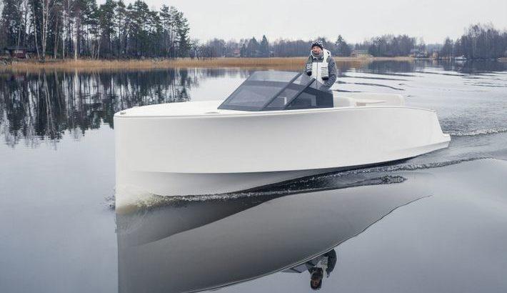 pro qyachts barcos electrico tesla del mar