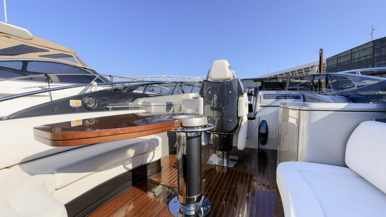 riva rivarama 44 alquiler de barcos barcelona ibiza