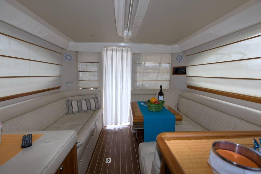 riviera 33 flybridge alquiler yate de pesca en lanzarote y fuerteventura