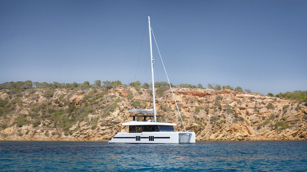 mallorca ibiza charter catamaran sunreef 68 midori