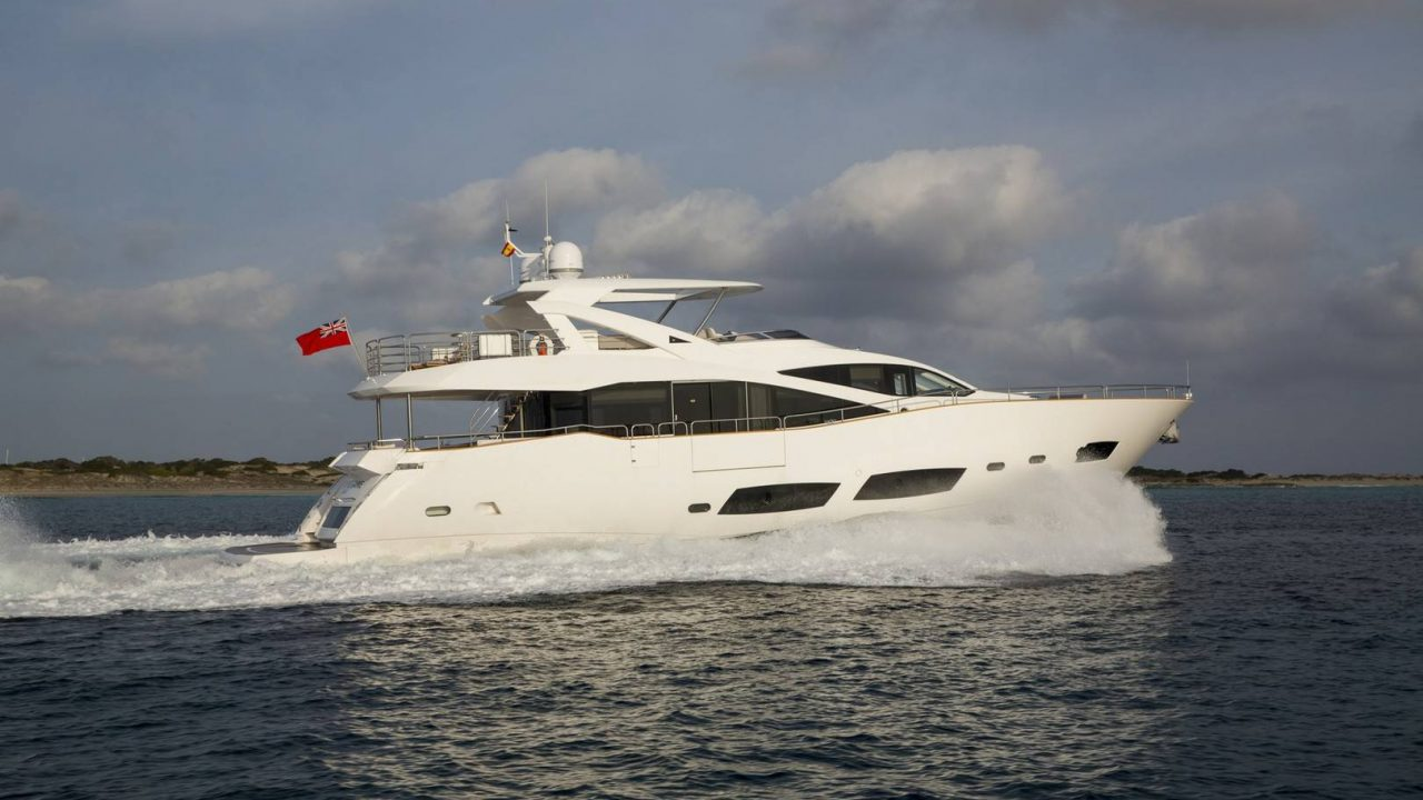 sunseeker 28m alquiler de yates en mallorca ibiza play the game