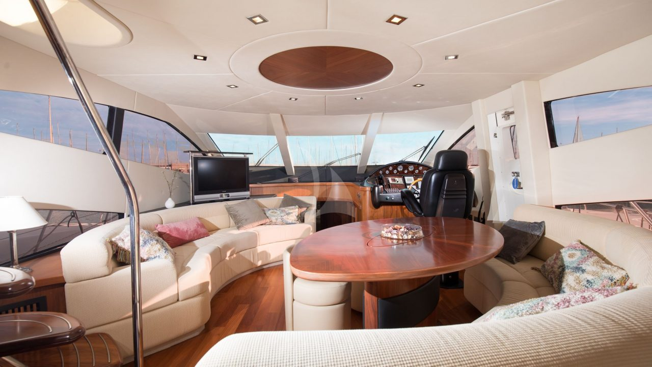 mallorca luxury yacht charter sunseeker 66 manhattan