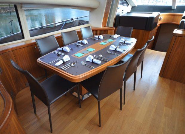 motor yacht hire mallorca ibiza sunseeker 82 hooligan