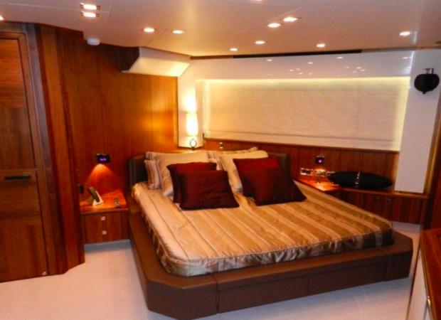 sunseeker 92 um7 crewed yacht charter ibiza