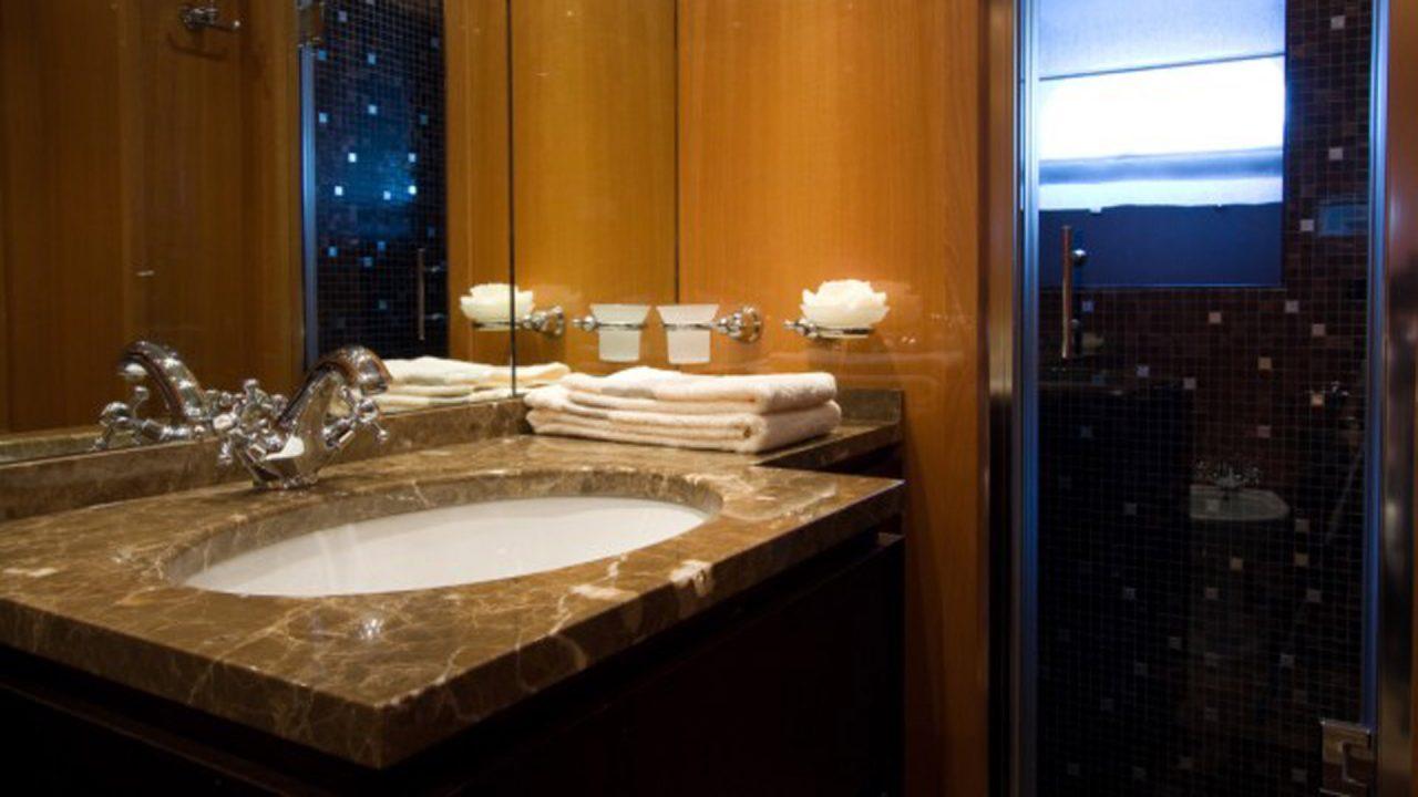 baño camarote principal