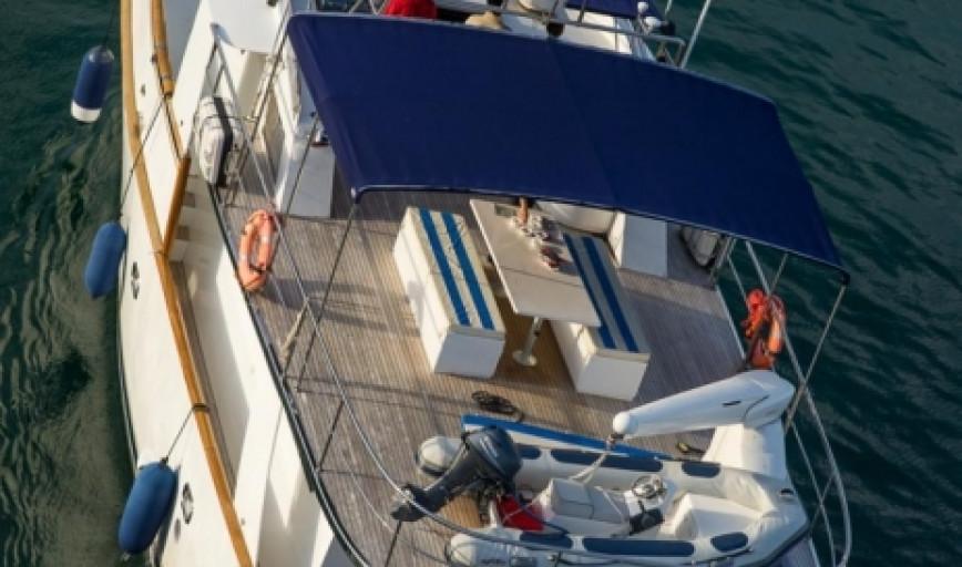 barcelona mallorca alquiler yates motor alieva trawler 18m