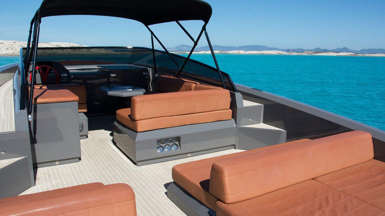 yacht charter ibiza the wolf vanquish 43