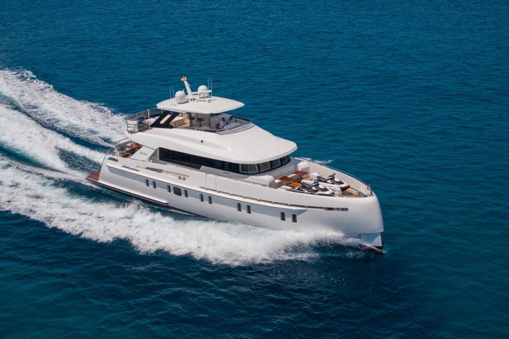 alquiler yate ibiza vanquish 82 sea story
