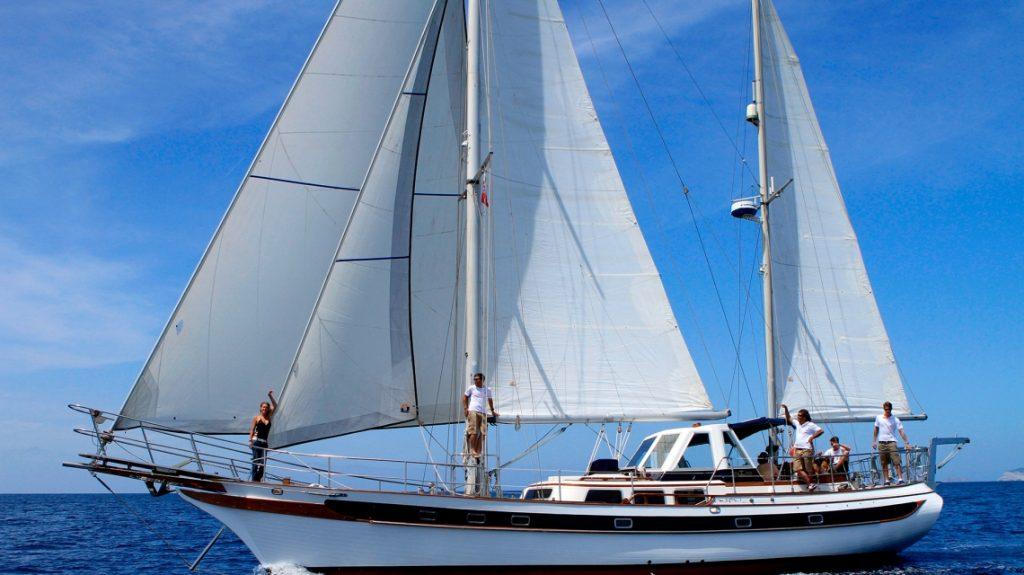 alquiler veleros clasicos charter ibiza