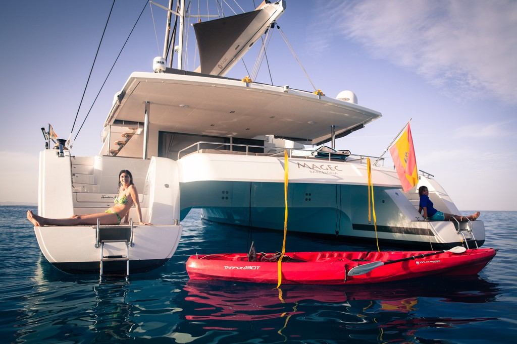 magec catamaran alquiler mallorca ibiza victoria 67