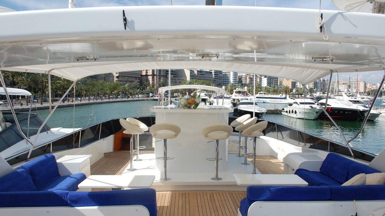 luxury yacht charter yat kotra 85 lady tatiana